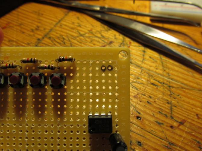 Wie man ein elektronisches Klavier mit einem 555 IC machen