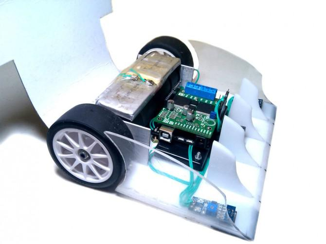 DIY RC Android SUMOBOT [Bluetooth Multiplayer]