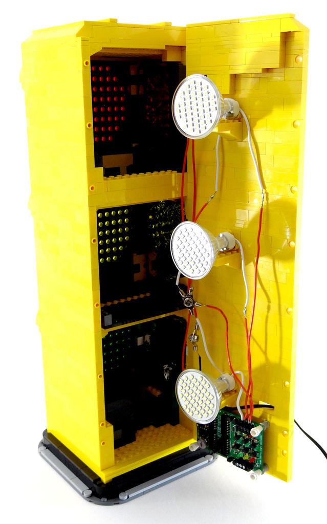 Voll funktionsfähige LEGO Traffic Signal-Lampen