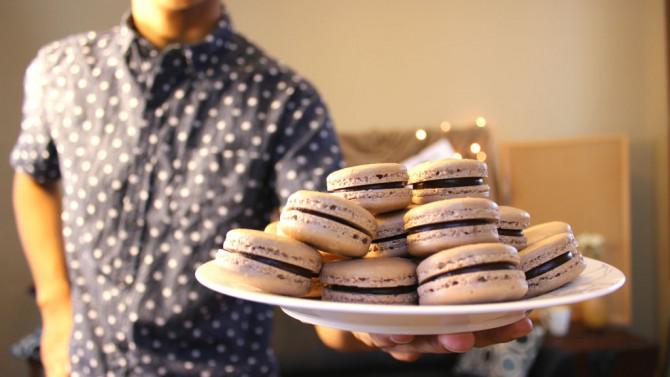 Schokoladen-Macarons | Josh Pan