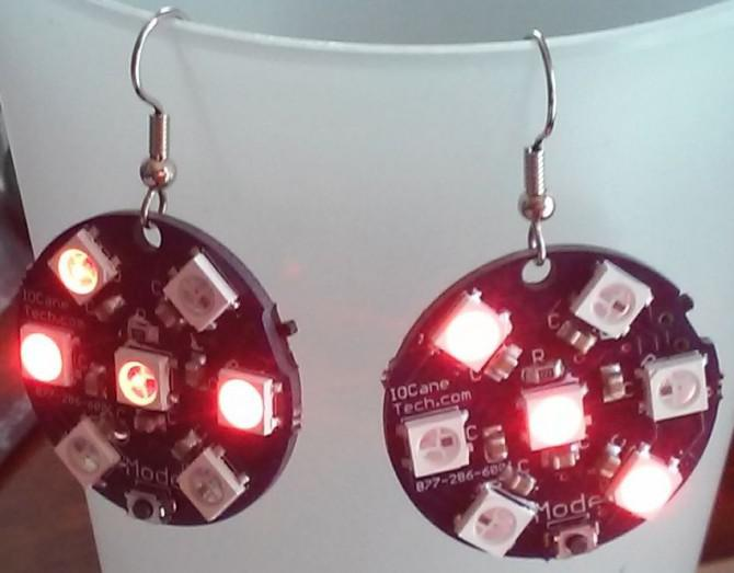 Elektronische All Seasons, All Holidays, LED-Ohrringe