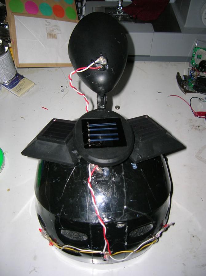 Wiederverwendet Solarbeleuchtung für eine Fahrrad-Sturzhelm-Trash Tech