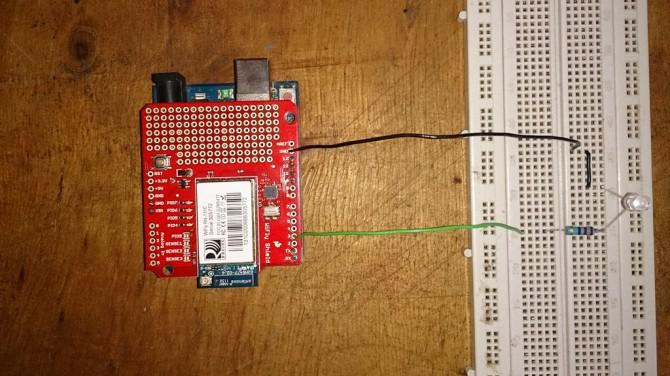 Steuerung einer LED mit Arduino und Wifly Schild