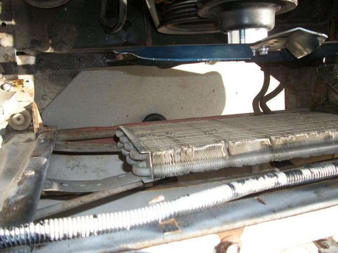 Wie man eine neue Heizkörper in einem 1957 Chevy Truck installieren