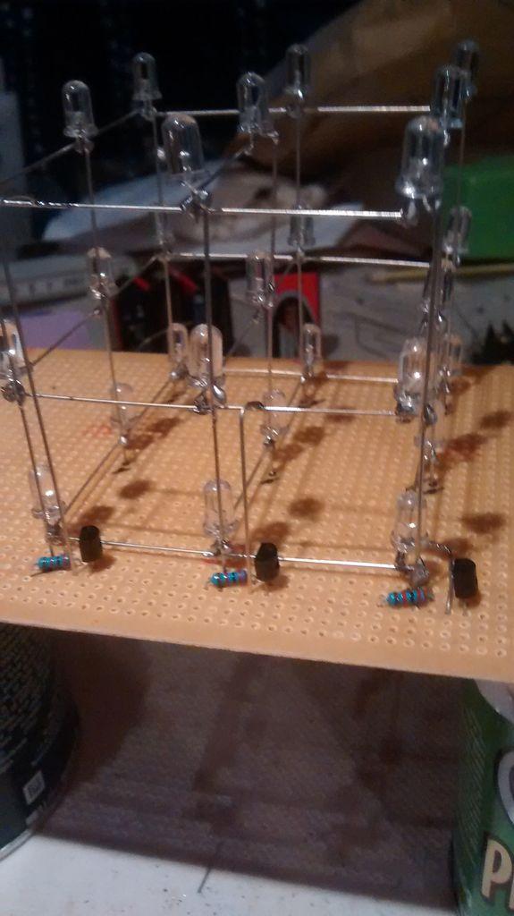 Einfache 3x3x3 LED-Cube mit Arduino