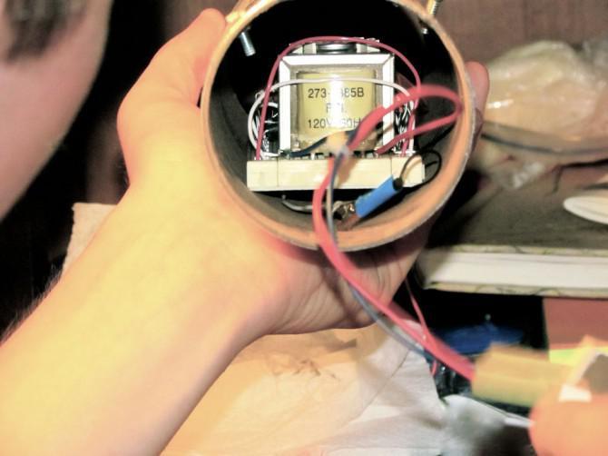 Handkurbel iPhone-Ladegerät