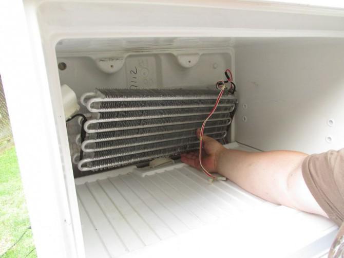 Retro Kühlschrank Defekt : Kühlschrank offen gelassen defekt: video kondenswasser im