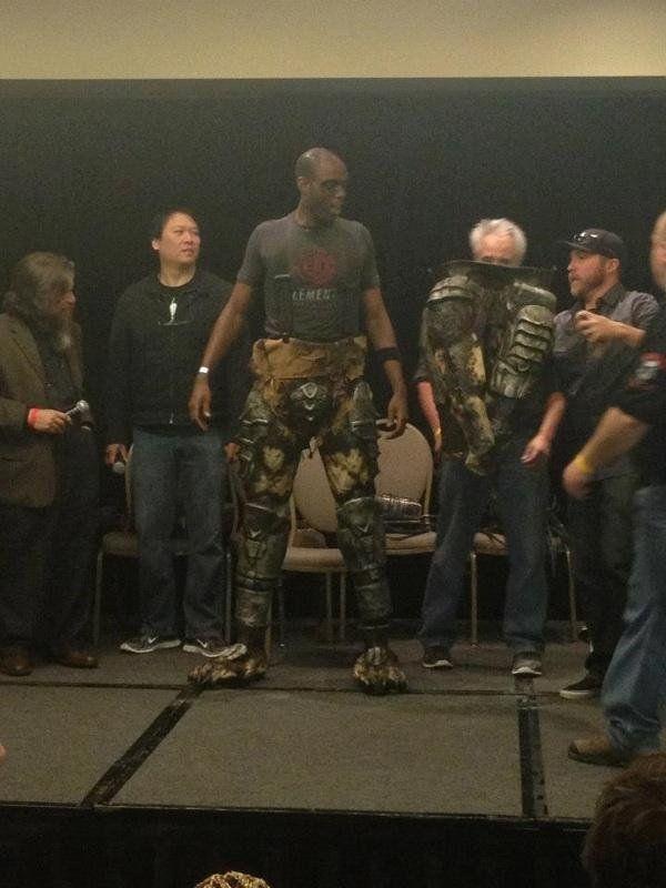 Der Aufbau einer Replik Predator Kostüm