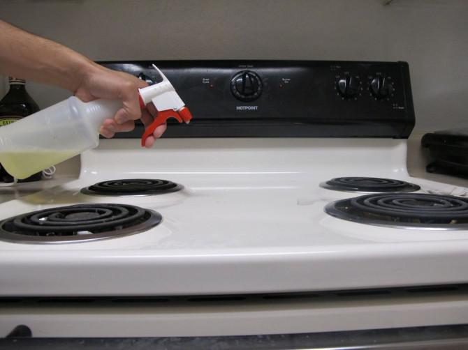 Wie man eine Küche (Grundstufe) reinigen