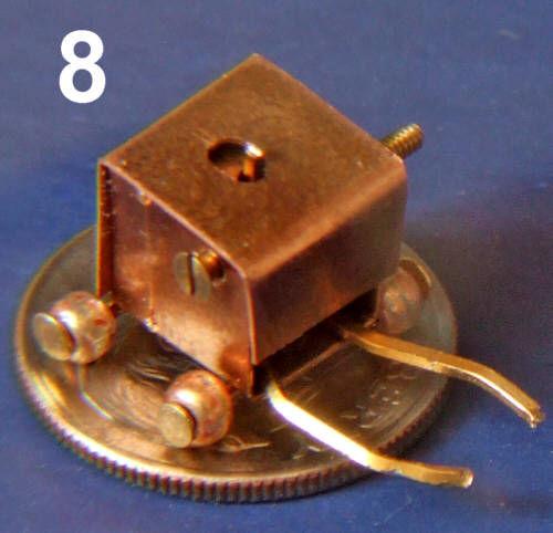 Erstellen Sie eine sehr kleine Roboter: Stellen Sie die weltweit kleinste Wheeled Robot mit einem Greifer.