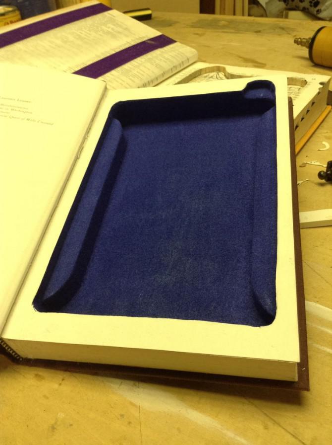 Machen Sie ein iPad Mini Buch mit Staufach