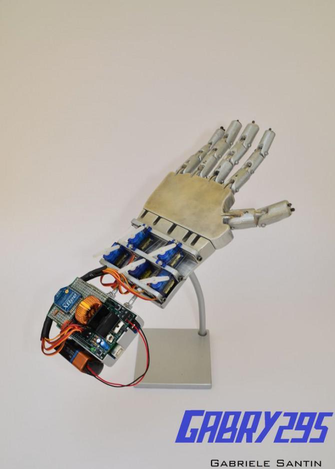 Wie man ein ferngesteuertes Roboterhand mit Arduino machen