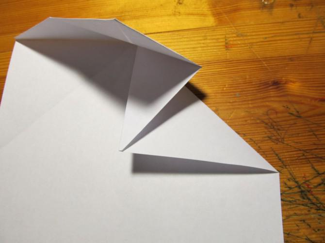 Die Omicron, ein tolles Papier Flugzeug!