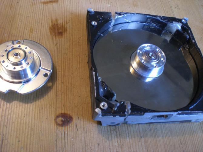 Tesla Turbine aus alten Festplatten und minimal-Tools