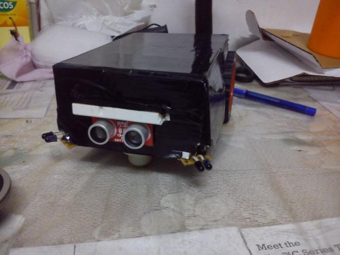 DUAL MODE ROBOT = (Autonome / manuelle Steuerung)