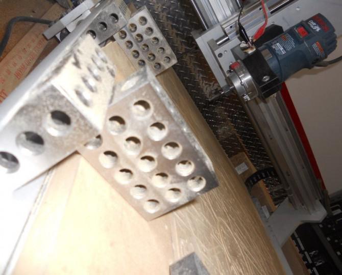 Einen 3D-Drucker mit einem CNC-Router - DeltaBot