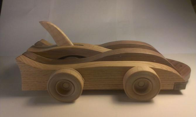 Mechanische Holz-Spielzeug-Auto