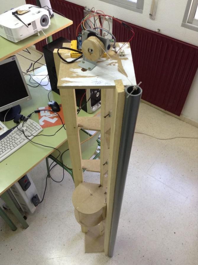 (Ascensor) Aufzug-Modell mit Arduino, App Inventor und andere freie Software