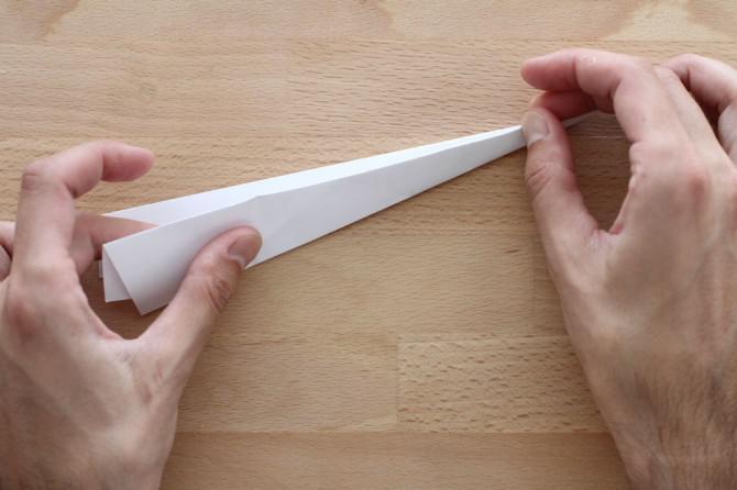 Machen Sie eine Super-PaperJet und fliegen über ein 5-stöckiges Gebäude