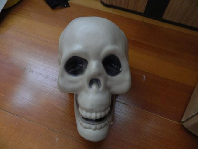 Kronleuchter Helloween ~ Diy candlelit schädel hängen kronleuchter halloween prop