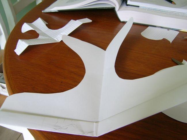 Erstellen Sie das Barnaby Papierflugzeug