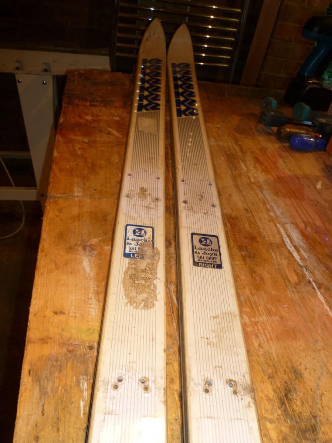 Toboggan aus alten Skis