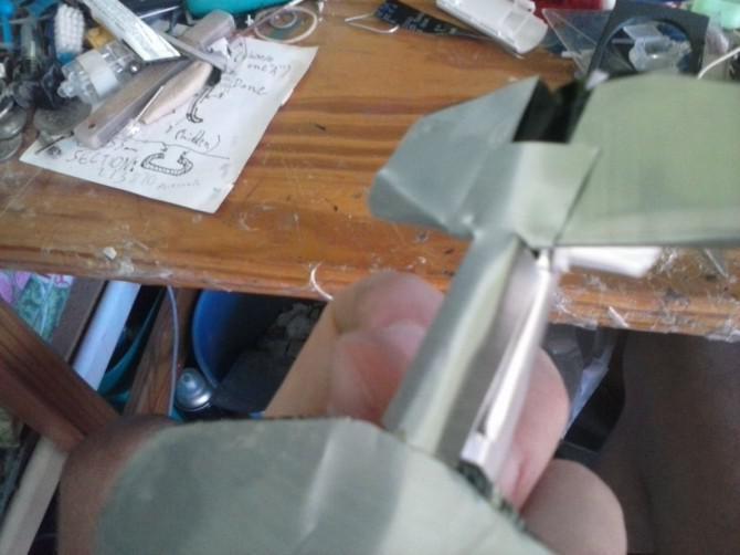 Flugzeug aus einer Aluminium kann (und es ist zu fliegen)