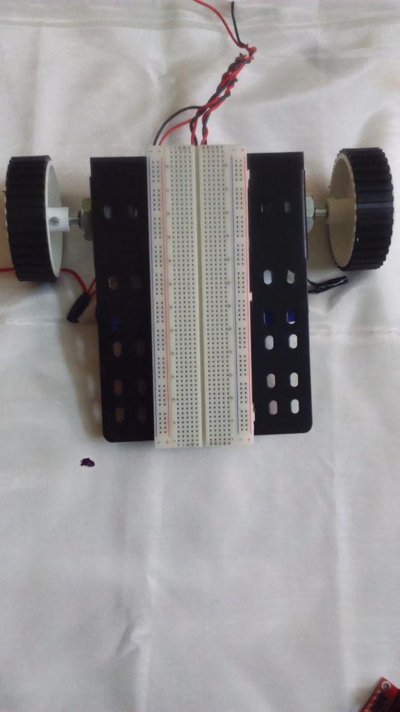 Erstellen einer einfachen Roboter Mit einem Arduino und L293 (H-Brücke)