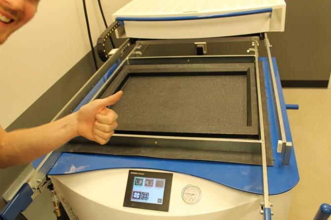 Wie man eine Blende für einen TV-Bildschirm / Video-Spiel-Monitor machen - ich habe es bei TechShop Detroit!
