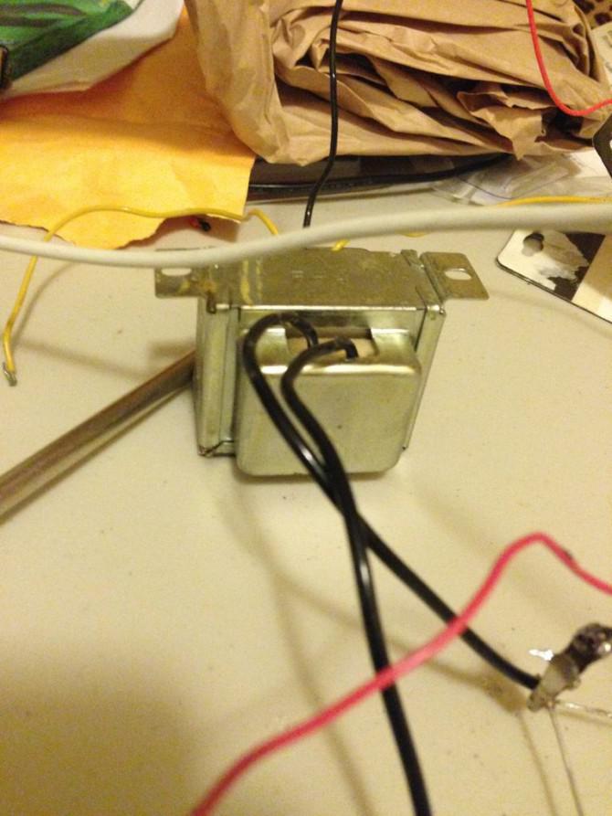 12V-180kV: Ein batteriebetriebener Generator Marx (und Einführung in die Elektronik)