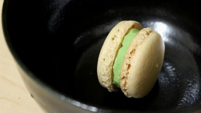 Wasabi Macarons Aprilscherz Streich | Josh Pan