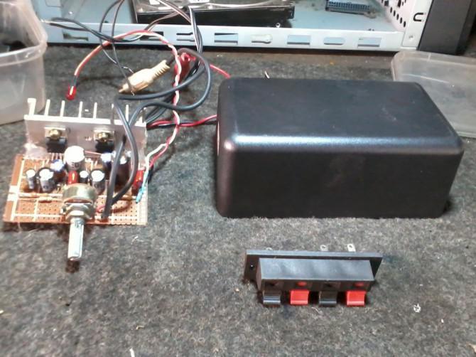 Buch Regal Stereo Verstärker - DIY