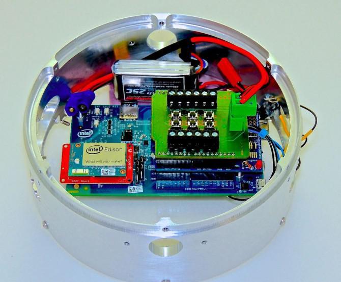 Unter Verwendung der Intel Edison an einem kalten Gas Reaction Control System für eine Forschungsrakete