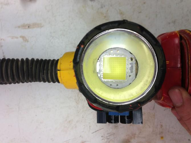8000 Lumen LED-Taschenlampe Dewalt mod