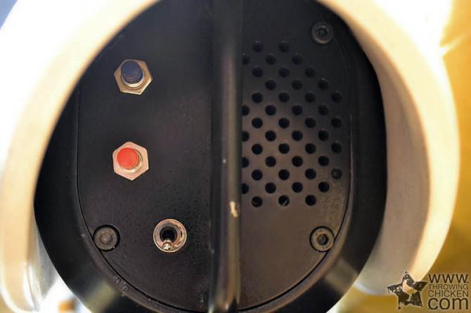 Der Aufbau einer 1: 1-Maßstab Portal Gun mit Lichtern
