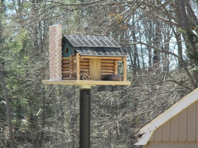 Log Cabin Birdhouse - maßstabsgetreu!