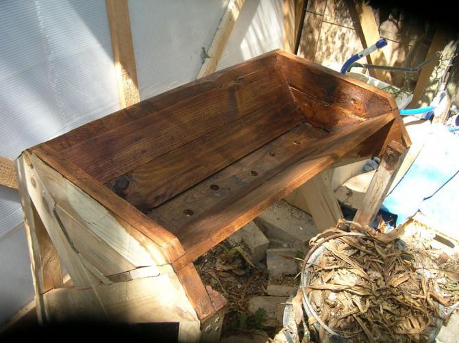 Wie er den Sämaschine steil STEEP aus recycelten Holzpalette