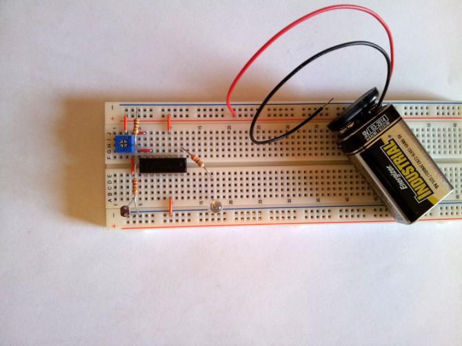 Simple Light Detector mit Sensitivity Control