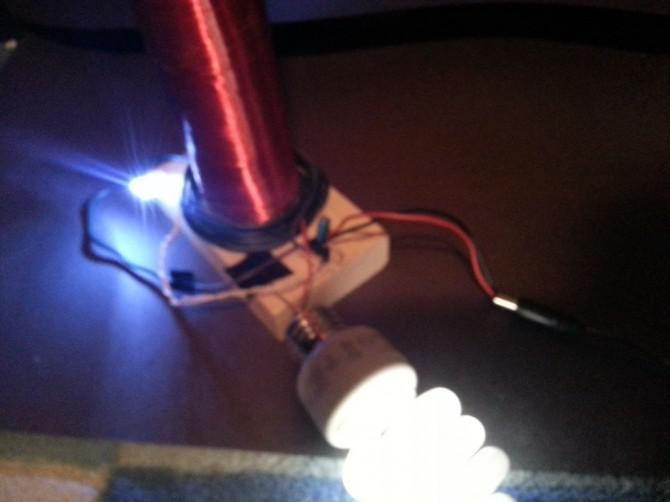 Slayer Weihnachtsbeleuchtung.Bau Des Armen Mans Mini Tesla Spule Slayer Erreger