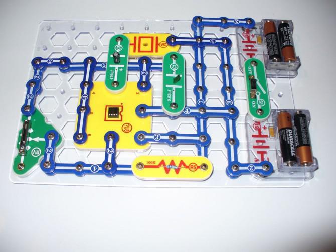 Installieren Sie eine LED in einem Tongeneratorschaltung in ein Rechteck visualisieren
