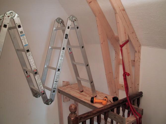 Kletterwand Für Zuhause aufbau einer kletterwand am oberen ende der treppe