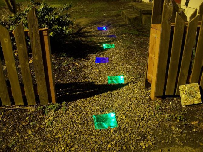 Wie man ein Solar Powered Walkway Stellen
