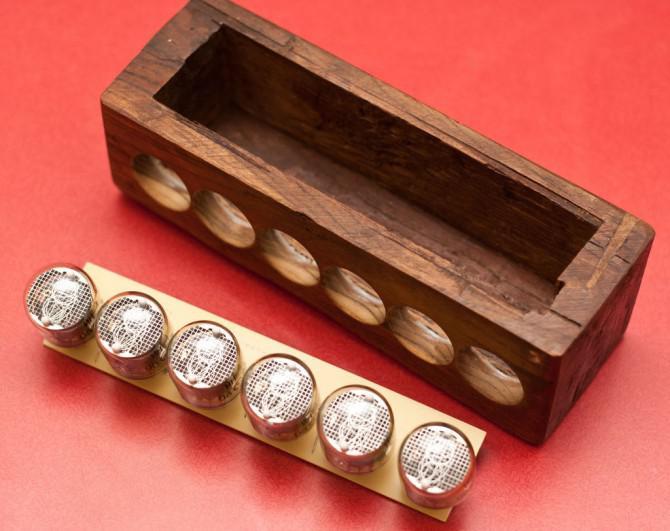 Einfache Benutzer einstellbare DIY Nixie Uhr