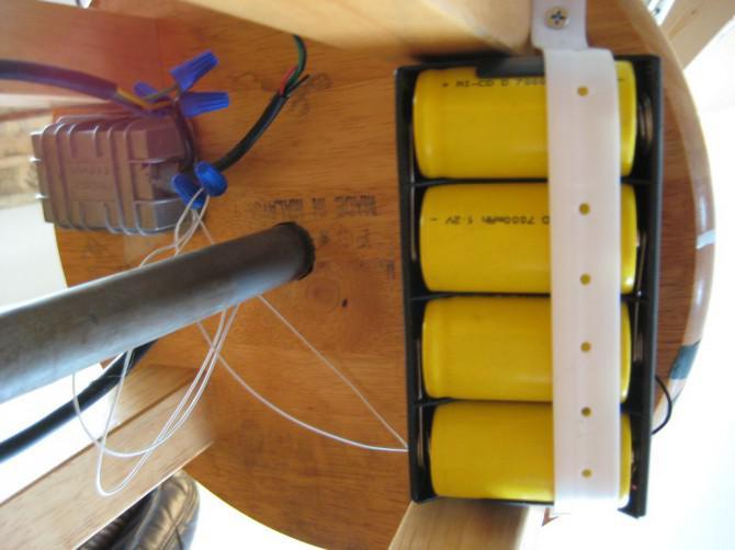 Hommage an Fahrrad-Rad Duchamps - ein Dual-Mode-LED-Lampe (DC Nabendynamo oder AC-Plugin)