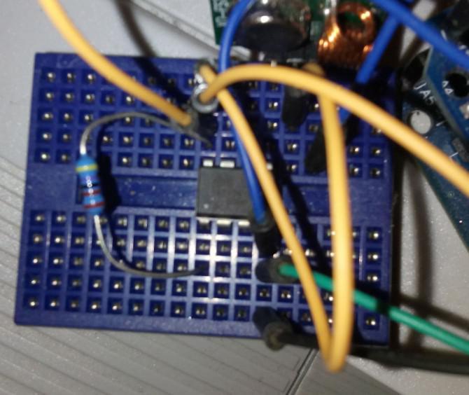 Empfangen und Senden von Daten zwischen ATtiny85 (Arduino IDE 1.06)