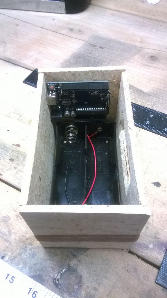 Die Geschichte Uhr: Arduino LCD w / cap-Sensoren