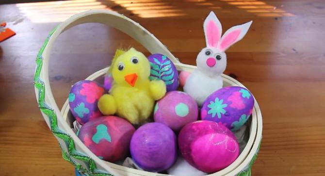 Dekorieren Easter Eggs