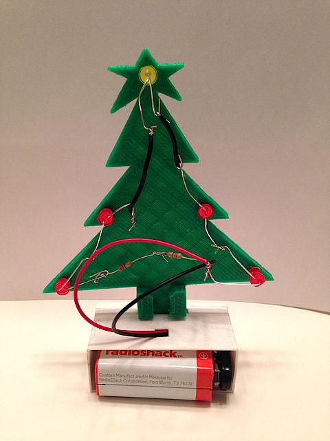 Mini Weihnachtsbaum Mit Batterie.Diy Mini Weihnachtsbaum Geschenk Für Die Jungen