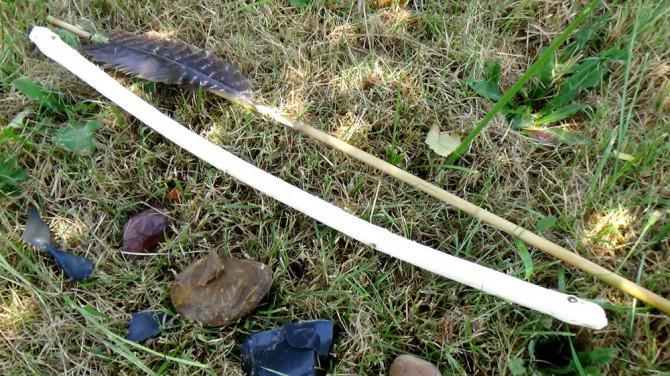 Machen Sie eine Überlebens Atlatl und Dart mit nur gefundenen Materialien und Steinwerkzeuge