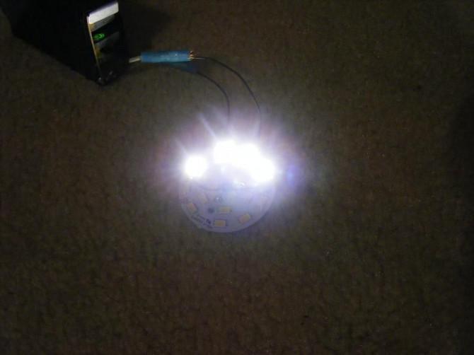 120-V-LED-Birne auf 12VDC, 190mA.  Der Hack